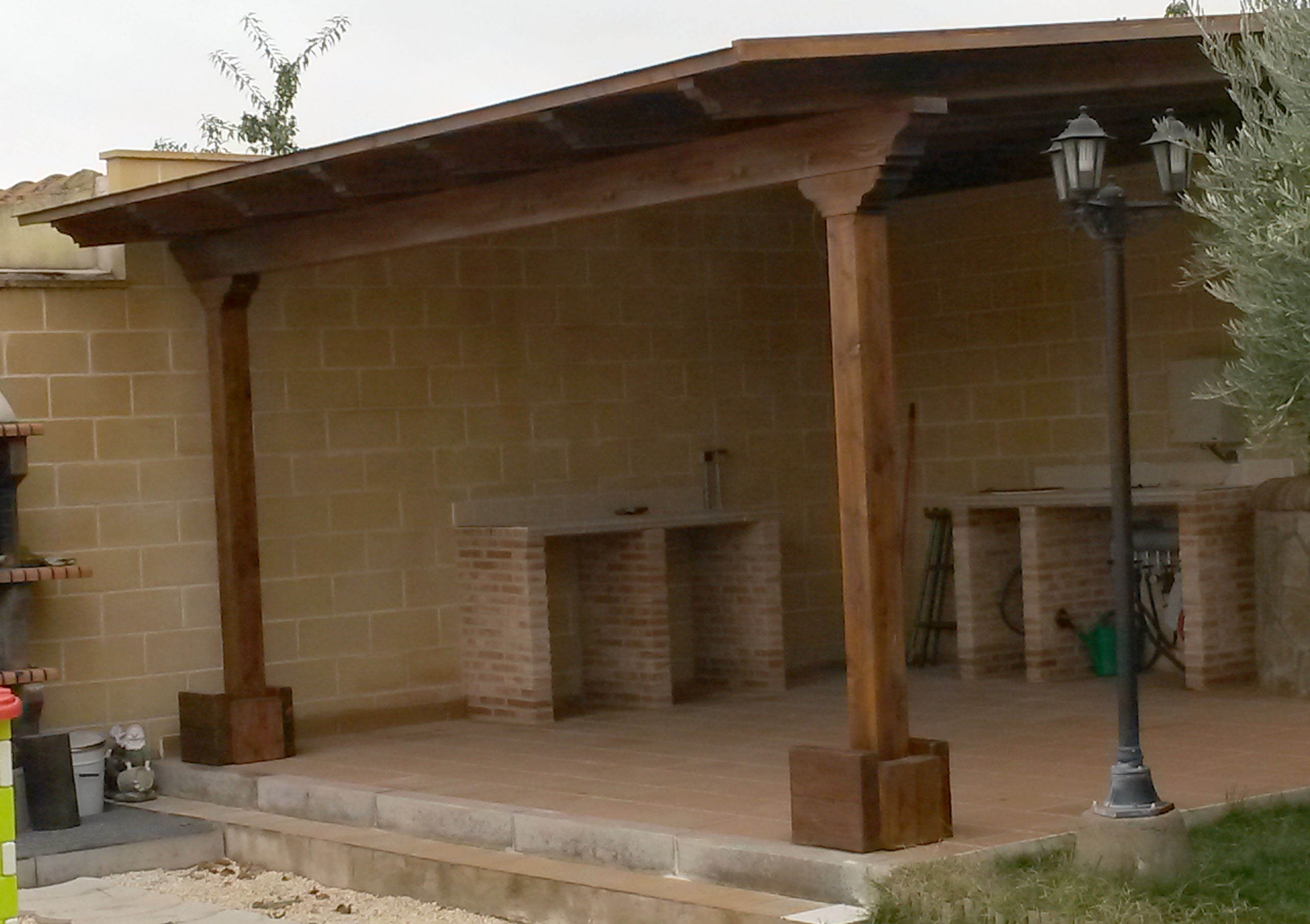 Ofertas de pergolas y porches de madera for Precio zapateros de madera